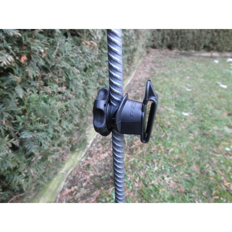 Isolateurs piquets métal et PFV LACME -   IRUBLOC 25 pour clôture électrique
