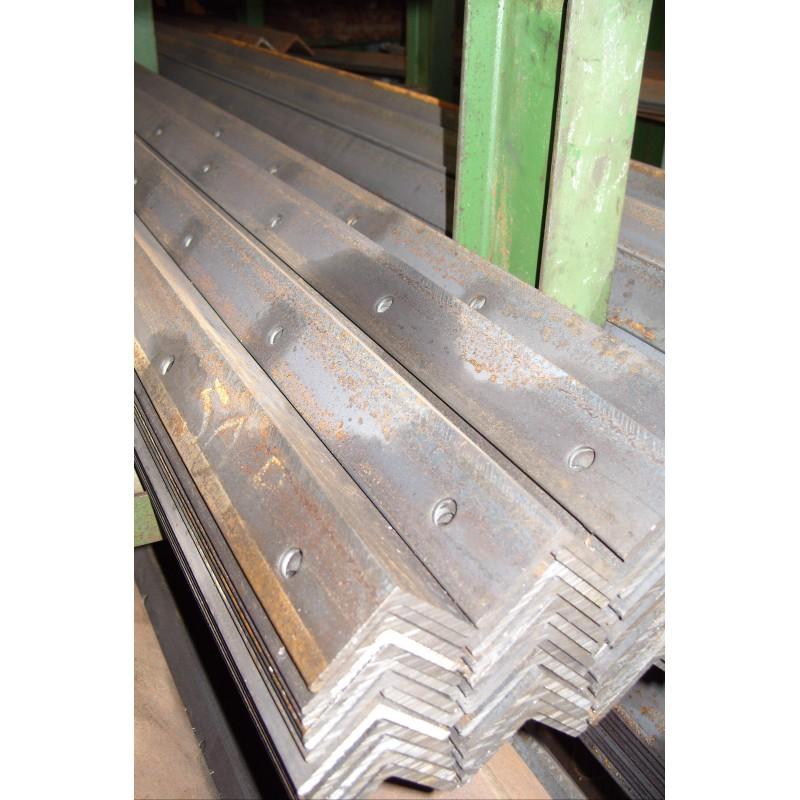 50 PIQUETS ACIER L50x50x5 H.2M - 5 Trous