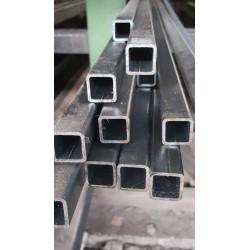 Tube acier carré 25 mm x 25 mm x 2 mm